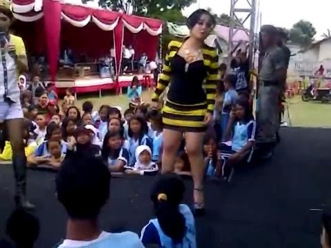Juwita Bahar - Kereta Malam [SEXY MINI DRESSES - LIVE PERFORMANCE] Mp3