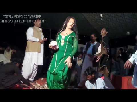 Hot Mujra in pakistani wedding function MEda koka 2017