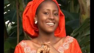 Hausa movie song (Matar Aurena).