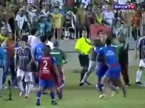 Futebol se resolve com violência Pancadaria TOP 6