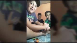 Nuestro primer video espero que le gusten.    Comiendo dulces ácidos / EL TRIO GAMER