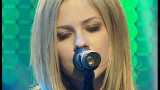 Avril Lavigne - My Happy Ending [Live on Comet Awards, Köln, Alemanha 26.09.2004]