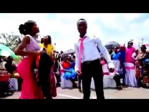 Xxx Mp4 Best Kenyan Wedding Dancers Doing Rose Muhando Kamata Pindo La Yesu Live 3gp Sex