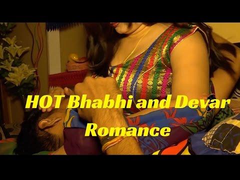 सेक्सी देसी किस.. hot Bhabhi ko devar ne raatbhar kiss kia ...