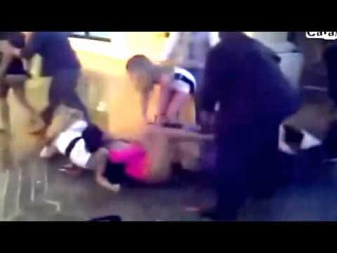 Briga de mulher sempre sobra calcinha 2013 VEJA