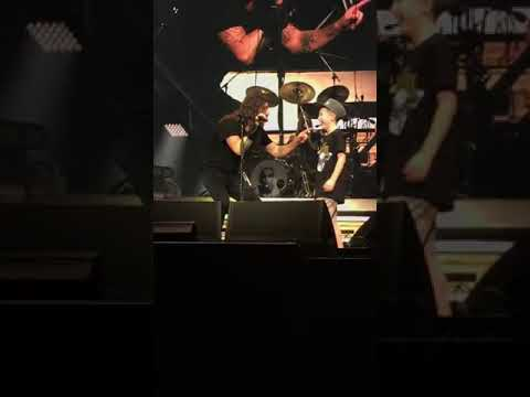 Xxx Mp4 Bocah SD Mainkan Gitar Dikonser Metallica Wowww 3gp Sex