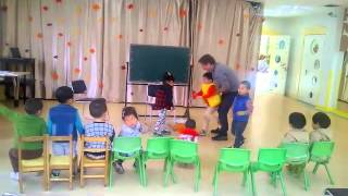 Teaching Colors to Chinese Children