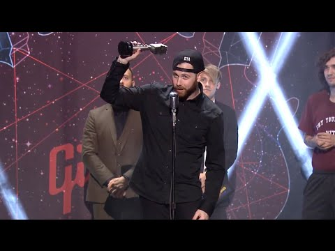 APMAs 2015: A Day To Remember win Best Live Band presented by Macbeth (AP Fall Tour Announcement!)