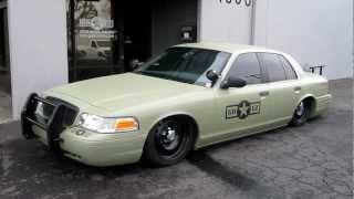go-ez cop car goes to japan