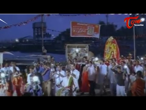 Madhavan Enjoyed with Wet Meera Jasmine