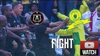 Mamelodi Sundowns Attacker 🔪VS Orlando Pirates Bench⚽ [MASSIVE FIGHT] 10/11/ 2018 HD🔥