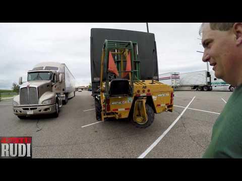 TRUCKER RUDI Helping Another Trucker Pull Start his Truck 08/03/17 Vlog#1149