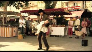 Mr.Bean Holiday - Mr.Bean's dance