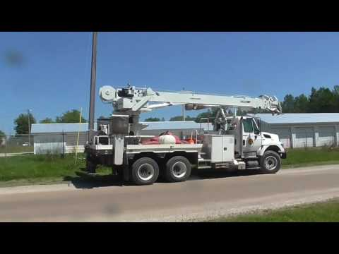 Garbage Picking And Scrapping Metal At The Recycling Center!! Trash To Cash 2017