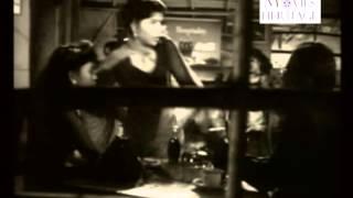 Soch Samajh Kar Dil Ko Lagana - Jaal (1952) [FULL SONG]