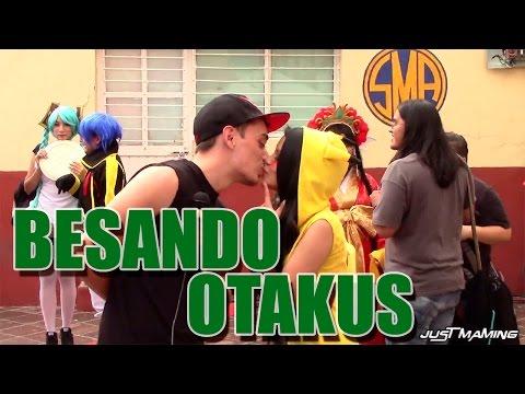 Otakufest 2014 Hentai Besos faciles Besando Otakus Entrevistas graciosas