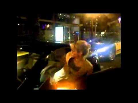 Xxx Mp4 Shakira Paró Su Auto Y Se Puso A Bailar En Plena Calle 3gp Sex