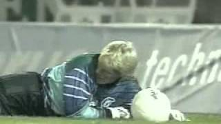 Jay Jay Okocha (Eintracht Frankfurt) vs. Oliver Kahn (KSC) - best goal ever!!!