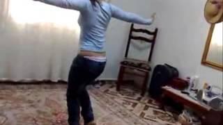 رقص بنت وحركات جنسيه علي مهرجان القمه 2016