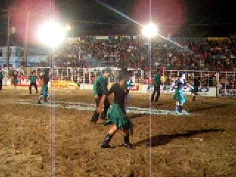 GRUPO KARAYBA NA ABERTURA DA FESTA DO RODEIO DA CIDADE DE JUQUIÁ 2007
