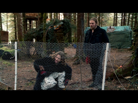 Xxx Mp4 A Homemade Bear Fence Will Keep Browntown Safe Alaskan Bush People 3gp Sex