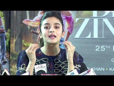 Alia Bhatt's Mind Blowing Interview For Dear Zindagi