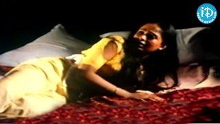 Khaidi Veta Movie - Radha, Malaysia Vasudevan, Kamal Haasan Emotional Scene