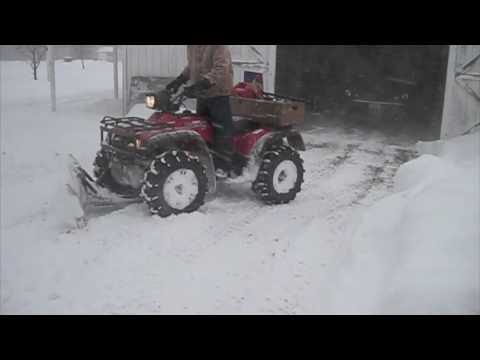 Honda Foreman 450 Plowing Snow