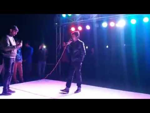 Xxx Mp4 Main Phir Bhi Tumko Chahonga Live Perfomance Amazing Crowd Arijit Singh Safeer Khan 3gp Sex