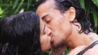 Shraddha Kapoor Tiger Shroff Hot Liplock Kissing Scene In Baaghi