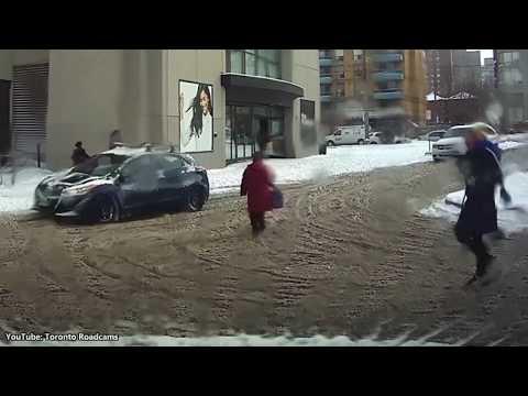 Xxx Mp4 Good Samaritan Helps Woman Having Difficulty Walking In The Snow 3gp Sex