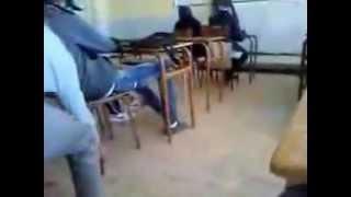أنظر ماذا يحدث في المدارس الجزائرية خخخخخخخخخ