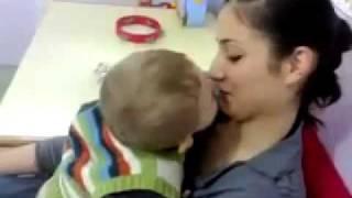 un bébé pas comme les autres - طفل غير عادي