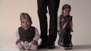 Worlds shortest man and woman meet