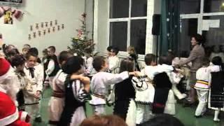 VIDEO ALBA24: Dansuri populare la clasa pregatitoare A, Scoala Avram Iancu