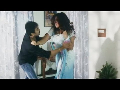 Young Boy Forcing Indian Aunty - Telugu Romantic Scene