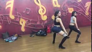 Nora Fatehi Sexy Belly dance practice