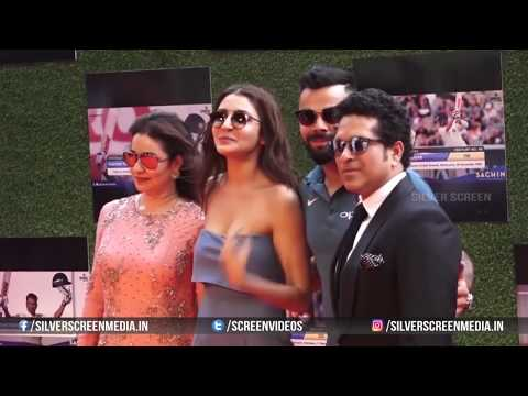 Xxx Mp4 Anushka Sharma Adjusting Her Dress In Public Bollywood Unseen Videos Latest Telugu 2017 Cinema 3gp Sex