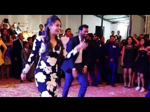Xxx Mp4 ලංකාවේ හොඳම වෙඩින් ඩාන්ස් එක මෙන්න Sri Lanka S Best Wedding Surprise Dance 3gp Sex