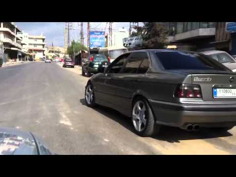 BMW E36 328i drifting