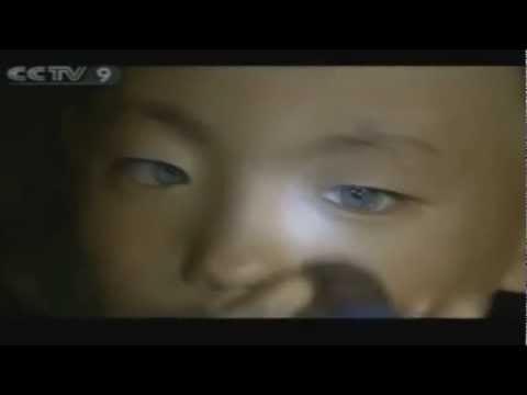 Olhos azuis de garoto chinês enxerga no escuro perfeitamente voz eduardo santos