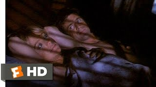 Bird on a Wire (9/11) Movie CLIP - Sharing the Bed (1990) HD