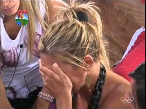 Angela conta da morte de sua irmã em A Fazenda