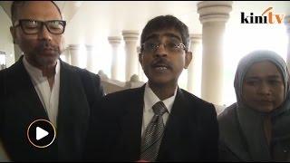 Dr M's suit against PM struck out by court