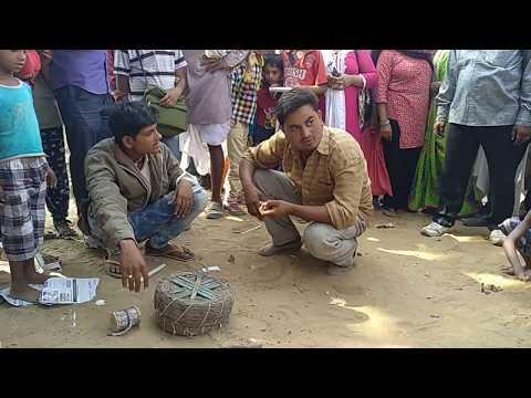 Xxx Mp4 Bangal Ka Bhyanak Kala Jadu Rongte Khde Kr Dene Wala Kala Jadu Black Magic Show In Street काला जाद 3gp Sex