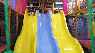 Velika IGRAONICA Autići Kućice Tobogani Trampoline ZABAVA ZA DECU / Fun Indoor Playground for KIDS