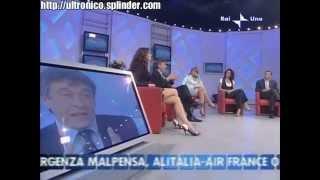 Elisa Isoardi scosciata da sega