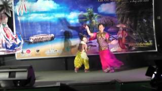 Mizhiyazhaku Pozhiyum Radha Malayalam Song Dance by by Rithuvarna and Krishnapriya For Onam 2012