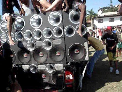 Campeonato de SOm Automotivo em Ipatinga Pesadão som dando toco em todos carros