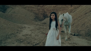 Angelina Jordan - Fly Me To The Moon (Acoustic)